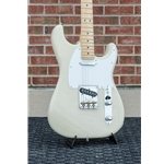 Fender Limited Edition Whiteguard Stratocaster®, Maple Fingerboard 0176062707