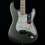 Fender American Elite Stratocaster Maple Fingerboard Satin Jade Pearl Metallic, Hard Case 0114002719
