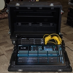 Allen & Heath Allen Heath QU32 Digital Mixer, AudioRack AR2412 Snake, Case, Lights & Cat6 Cable UQU32MIXER