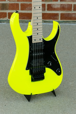 "Ibanez RG550 ""Genesis"" Electric Guitar, Desert Yellow RG550-DY"