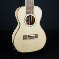 Amahi Flamed Maple Concert Ukulele UK550C